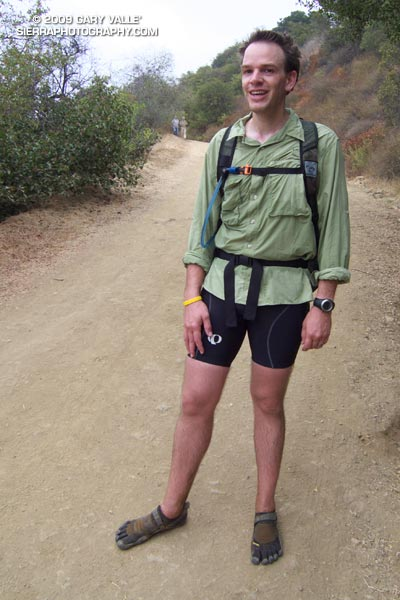 Barefoot trail runner