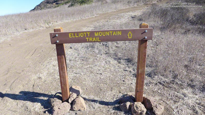 The summit of Elliot Mountain is about a quarter-mile to the northeast.