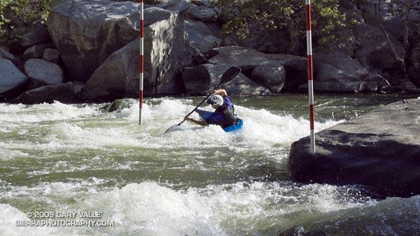 Keith Kishiyama paddling the 9-10-11 sequence on Saturday.