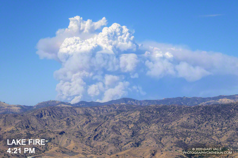 Lake Fire pyrocumulus cloud at about 4:21 p.m.