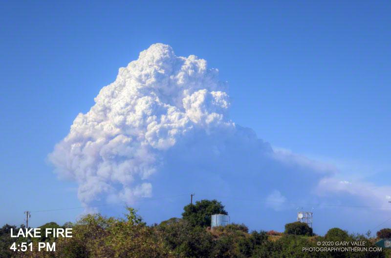 Lake Fire pyrocumulus cloud at about 4:51 p.m.