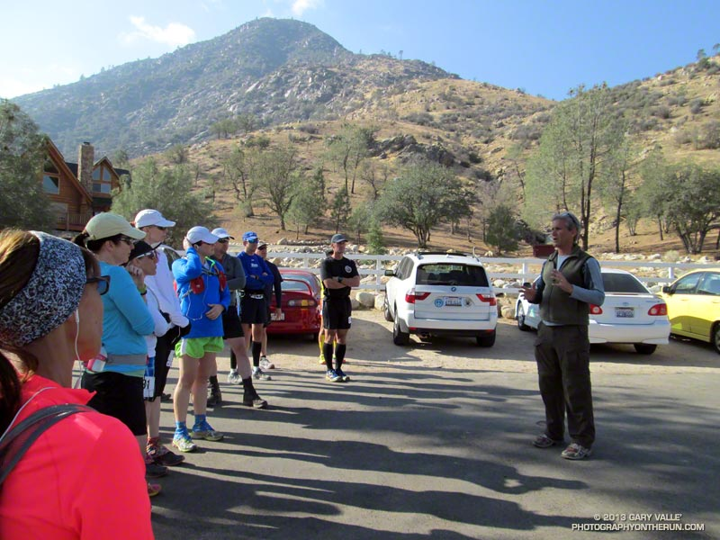 Race director Mike Lane describes the tough Burger Run course as the clock nears 10:00 am and the start of the run.