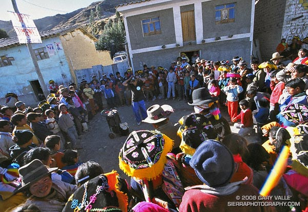 Street performer in the Peruvian village of Tinqui.