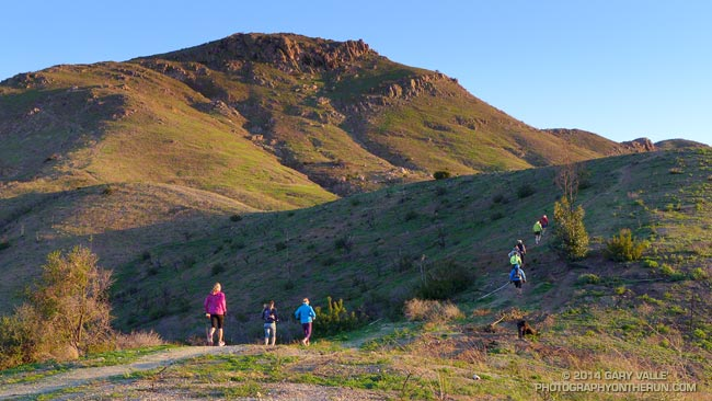 Runners working their way up Conejo Mountain on the Tour du Conejo Dos Vientos